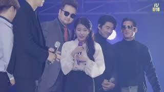 IU conociendo a GOD!  Tour Concert 'dlwlrma' in Seoul