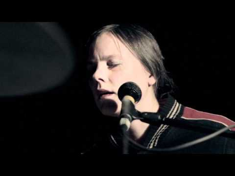 "Scout Niblett - ""Your Beat Kicks Back Like Death"" - Far From Home #19"