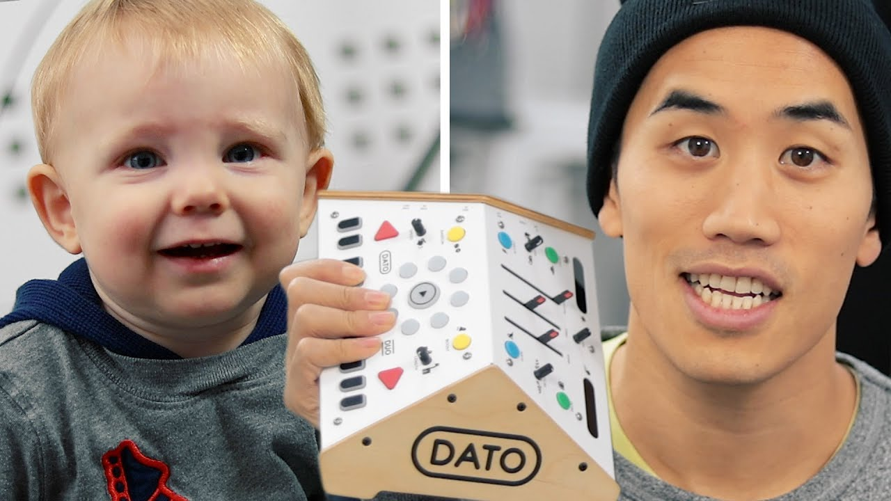 Download They made a synthesizer for BABIES!