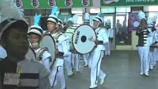 SMP  juara  lomba drumb band  bergengsi