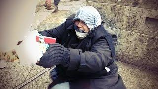HELPING THE HOMELESS - Obdachlosen eine Freude machen