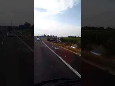 Incidente tir ribaltato autostrada A14 Imola 31 agosto 2017