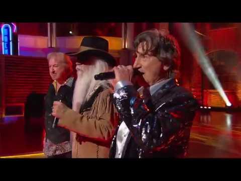 "The Oak Ridge Boys Perform ""Elvira"" | Huckabee"