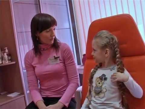 Прокалываем уши в салоне красоты для детей «моЯ ПРЕЛЕСТЬ» видео №3
