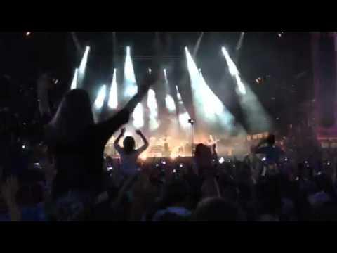 "Bastille - ""Pompeii"" (Live at Lollapalooza 2015 in Berlin)"