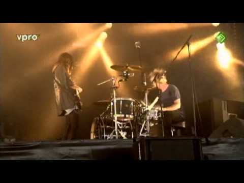Blood Red Shoes - It is getting boring by the sea