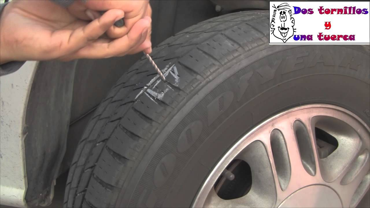 Como arreglar una llanta ponchada por un clavo reparar la rueda ...
