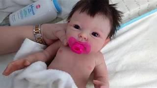 Reborn baby dolls - Full body solid silicone baby girl - tắm cho bé gái xinh xắn