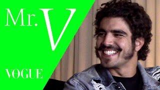 """""""Dava todo o dinheiro do mundo para ter uma família junta e unida"""", revela Caio Castro para Mister V"""