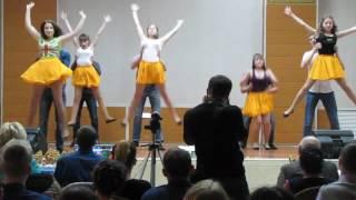 танец студентов