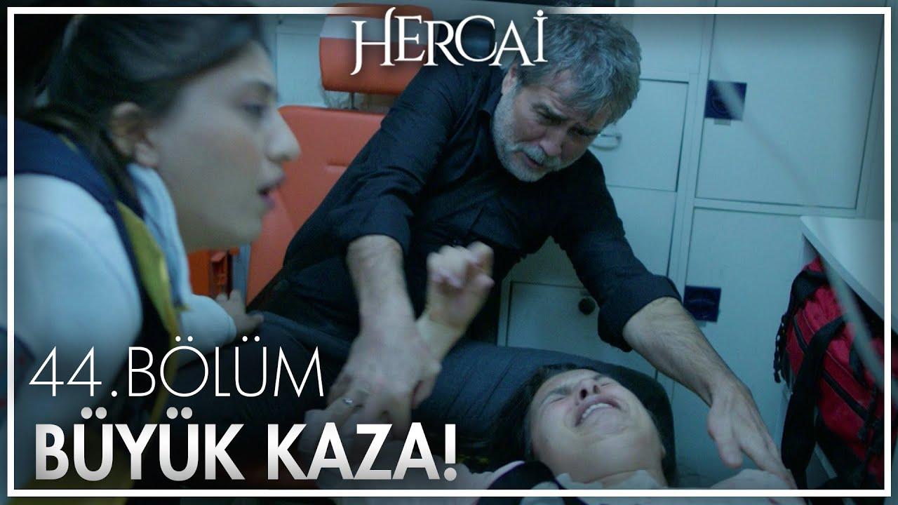 Zehra ve Hazar'ın ambulansı kaza yapıyor! - Hercai 44. Bölüm