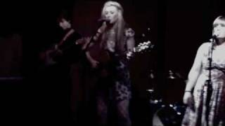 The Gillyflowers - Leave A Light On - Captains Rest Glasgow