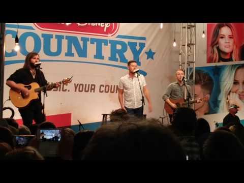 Scotty McCreery - Five More Minutes [Nashville, TN]