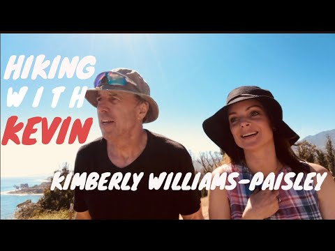 KIMBERLY WILLIAMSPAISLEY RECORD BREAKING KISS