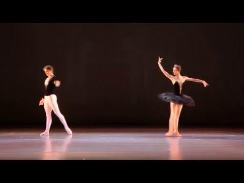 """П. И. Чайковский, адажио из балета """"Лебединое озеро"""", хореография М. Петипа"""