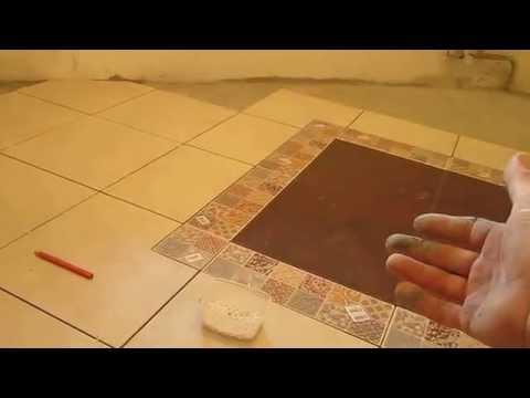 Укладка напольной керамической плитки.