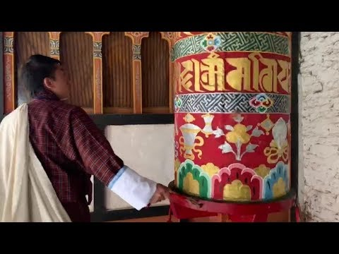 Asyiknya Bermobil di Bhutan, Land of the Thunder Dragon