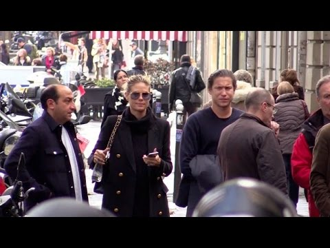 exclusive heidi klum and boyfriend vito schnabel go the a rembrandt exhibition in paris youtube. Black Bedroom Furniture Sets. Home Design Ideas