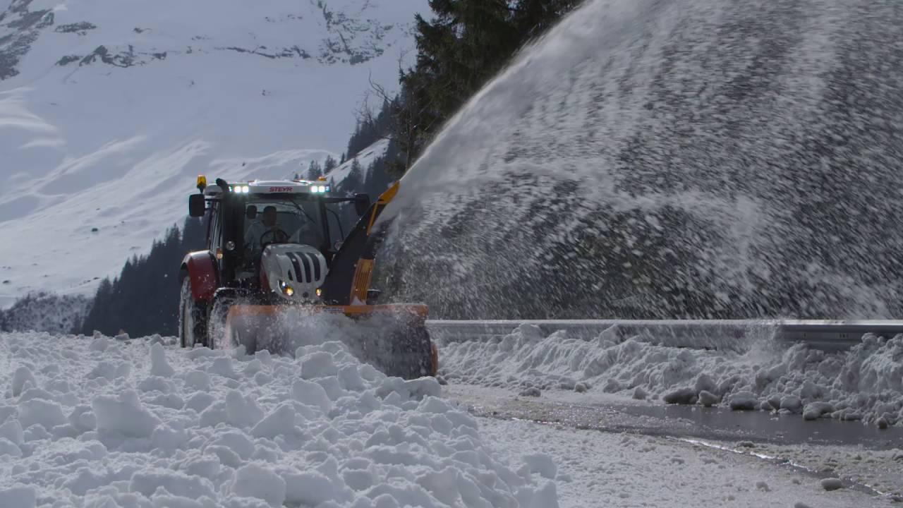 STEYR - Schneeräumung am Großglockner