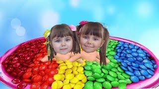 Учим Цвета с Джони Джони, Да Папа! Candy M&Ms Песни Потешки для Малышей