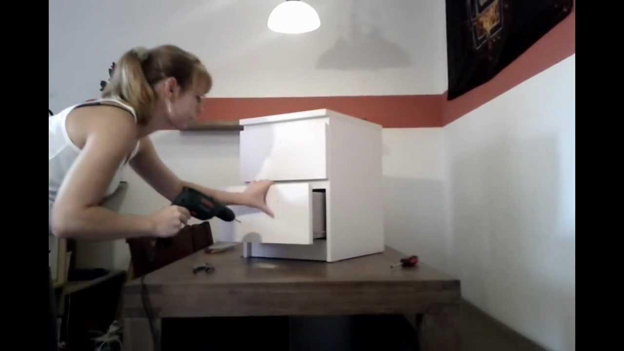 Montage von Möbelgriffen und Knöpfen - YouTube
