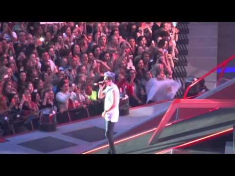 One Direction - C'mon C'mon - 6 June 14 HD Wembley Stadium