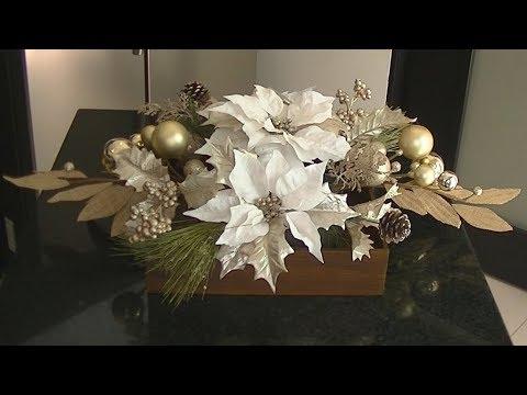 Centro de Mesa Navideño con Nochebuenas Blancas