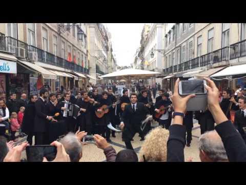 Amazing street performance in Lisbon, Portugal