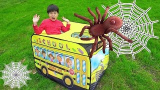 The Wheels On The Bus spider creeping up!Pretend Play Ko-kun n…