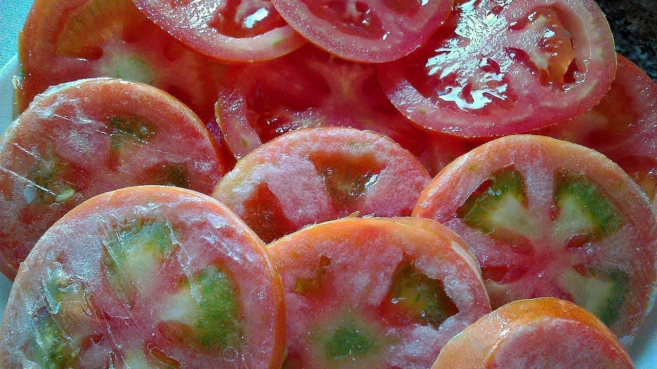 Как заморозить помидоры на зиму в морозилке с фото