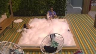 Francisco y Eloy se masturbaron en el Yacuzzi Gran Hermano 2015