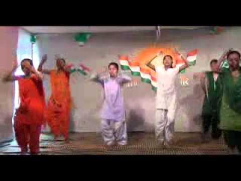Yaha pe kadam kadam par dharti...(Dance performance) on 15th Aug, 2013
