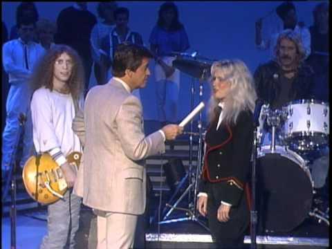 Dick Clark Interviews Kim Carnes - American Bandstand 1985