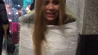 Мумии со свадебных конкурсов ожили и захватывают центр Москвы