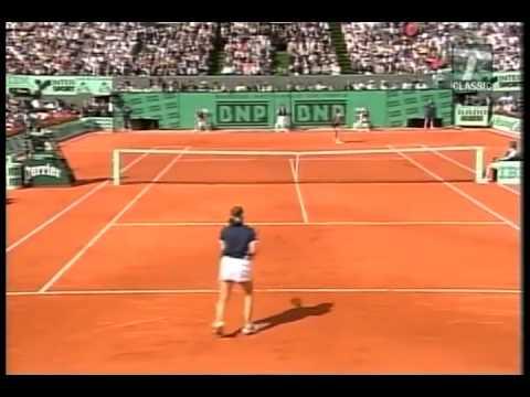 Martina Hingis v. Steffi Graf | 1999 Roland Garros Highlights