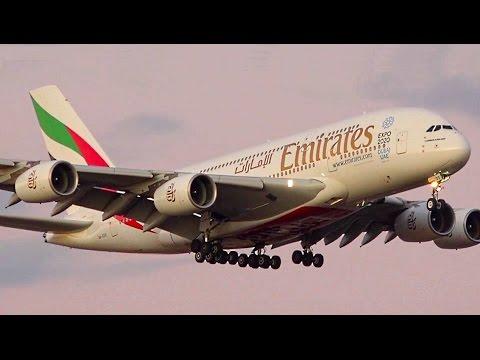DUSK ● Qantas & Emirates Airbus A380-800 - Landing at Melbourne Airport Australia