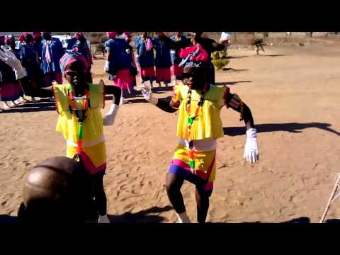Pedi women dance at GaPhoto Lethole 1