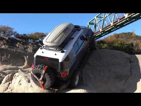 1/10 HPI Venture │ TOYOTA FJ CRUISER #2 │Extreme Rock Crawling Under The Bridge
