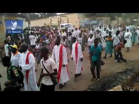 Procession du Saint Sacrement à Lomé