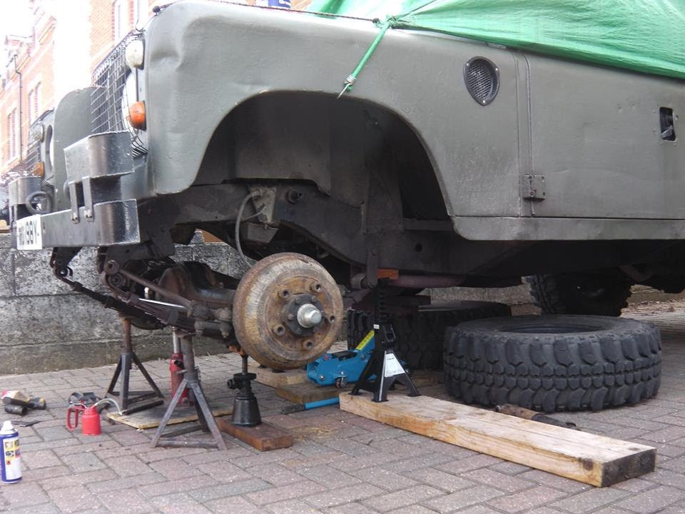 Land Rover Series 3 Changing Leaf Spring Bushes Youtube