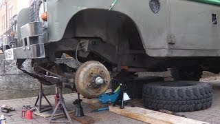 Land Rover Series 3 - Changing Leaf Spring Bushes