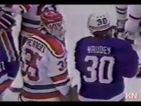 Bench clearer: NY Islanders vs New Jersey Devils 1986/12/11