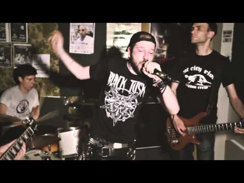 The 5 Finger Discounts - Vision of war (oficial video)