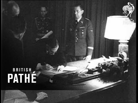 Munich Agreement Signed. Hitler, Mussolini, Chamberlain, Daladier (1938)
