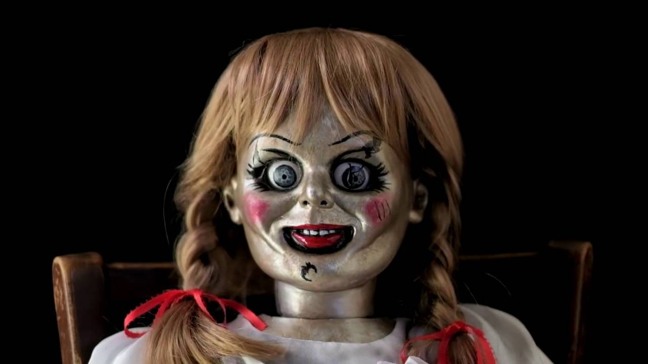 Annabelle Doll The Conjuring 2 - Youtube-2797
