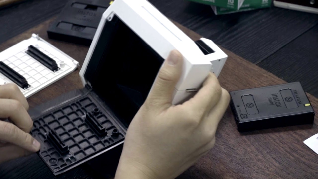 The Lomo'Instant Square – Instant Mini Back Preview