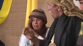 Repeat youtube video GayoTapao. Puñaladas a la suegra.