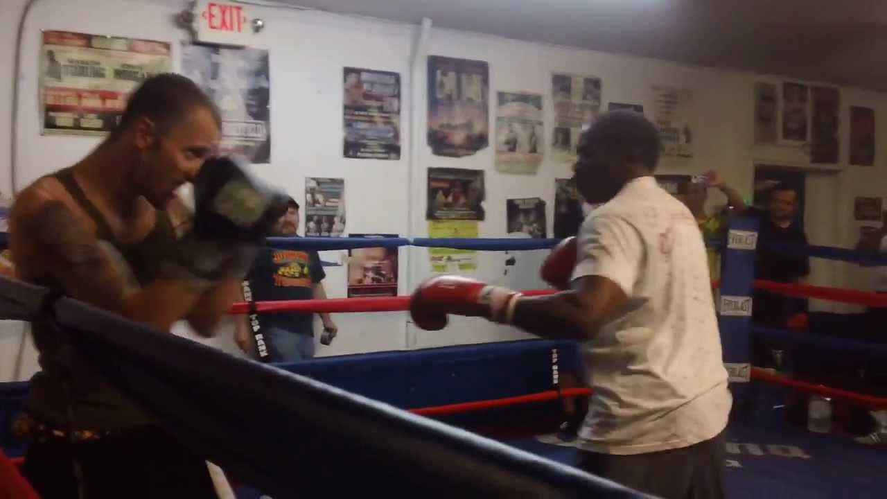 Floyd Mayweather Sr Sucker Punched While Sparring with Charlie Zelenoff -  YouTube