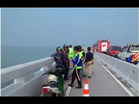 Man who leapt off Penang bridge still missing