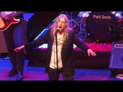 """25th Floor & Because the Night"" Patti Smith@The Met Philadelphia 4/29/19 Mp3"